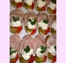 3chlebicek-vajickovy-na-salate.jpg
