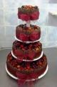 ov38-dort-ctyrpatrovy-s-belgickou-cokoladou-a-ovocem-na-stojanu.jpg