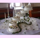 sva04-svatebni-dort-6-pater-s-marcipanovymi-kvety.jpg