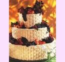 svo05-svatebni-dort-propletany-s-ovocem.jpg