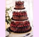 svo11-svatebni-dort-cokoladovy-s-jahodami-a-dekorem.jpg