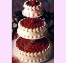 svo17-svatebni-dort-plny-jahod.jpg