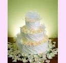 svp06-svatebni-dort-s-okvetnimi-listky.jpg