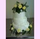 svp88-svatebni-dort-bily-s-ruzemi-amasli.jpg